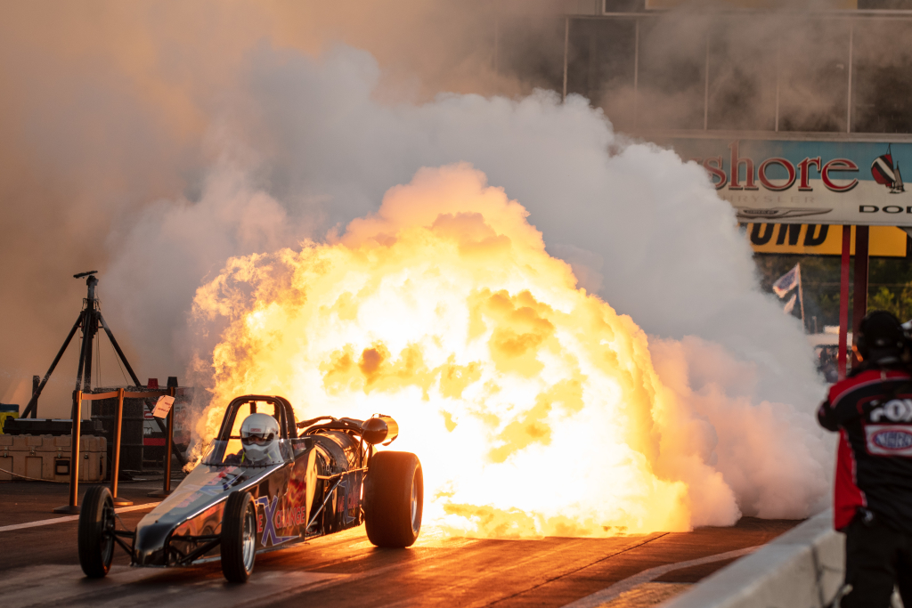 Fan favorite jet dragsters closed out the action on Friday and Saturday